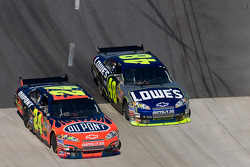 Jimmie Johnson and Jeff Gordon battle