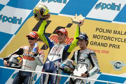 Podium: winnaar Valentino Rossi, tweede Dani Pedrosa, derde Andrea Dovizioso