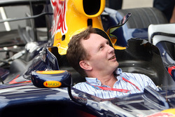 Christian Horner during a Red Bull Racing pit stop practice