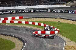 Heat, race 2: Jaime Alguersuari crashes into the barrier