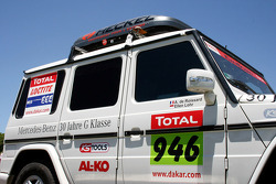 #946 Team FleetBoard Mercedes service vehicle of Ellen Lohr and Antonia De Roissard