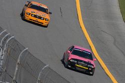 #91 BMW M3 Coupé Racing automatique: David Russell, Joe Varde, #59 Rehagen Racing Ford Mustang GT: Dean Martin, Larry Rehagen