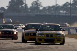 #96 Turner Motorsport BMW M3 Coupe: Bill Auberlen, Matthew Bell leads the field