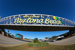 Welcome to Daytona Beach sign on International Speedway Boulevard