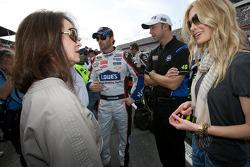 Jimmie Johnson, Hendrick Motorsports Chevrolet, crew chief Chad Knaus and Chandra, wife of Jimmie Johnson