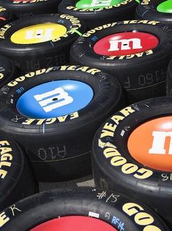 M&M tires