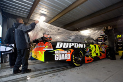 Jeff Gordon will start on the pole due to the rained out qualifying