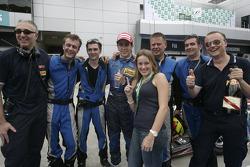 Diego Nunes fête sa victoire avec son équipe