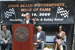Long Beach mayor Bob Foster giving a speech during the induction ceremony