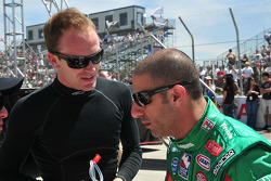 Robert Doornbos, Newman/Haas/Lanigan Racing, en Tony Kanaan. Andretti Green Racing