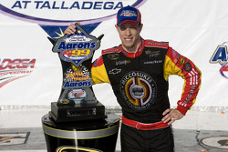 Victory lane: race winner Brad Keselowski, Phoenix Racing Chevrolet