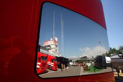 Ferrari motorhome, atmosphere