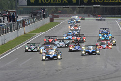 Start: #7 Team Peugeot Total Peugeot 908 HDi FAP: Nicolas Minassian, Christian Klien, Simon Pagenaud leads the field