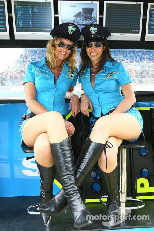 The charming Rizla Suzuki girls at Spanish GP