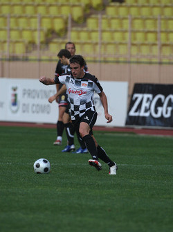 Star Team vs Nazionale Piloti, Charity Football Match, Monaco, Stade Louis II: Fernando Alonso, Renault F1 Team