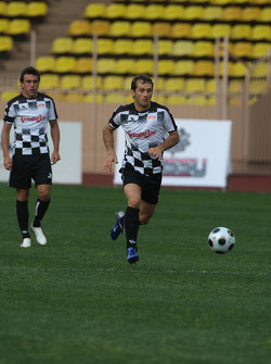 Star Team vs Nazionale Piloti, Charity Football Match, Monaco, Stade Louis II: Jarno Trulli, Toyota F1 Team