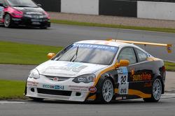 Paul O'Neill leads David Pinkney