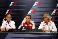 John Howett, Toyota F1 Team, President TMG, Stefano Domenicali, Scuderia Ferrari, Sporting Director, Flavio Briatore, Renault F1 Team, Team Chief, Managing Director