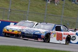 Greg Biffle, Roush Fenway Racing Ford, Dale Earnhardt Jr., Hendrick Motorsports Chevrolet