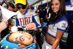 Valentino Rossi, Fiat Yamaha Team with a charming Yamaha girl