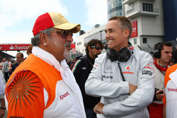 Vijay Mallya Force India F1 Team Owner and Martin Whitmarsh, McLaren, Chief Executive Officer