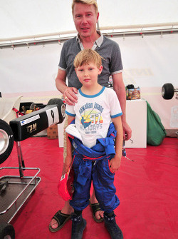 Mika Hakkinen and his son Hugo karting