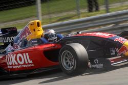 Saturday qualifying race 2