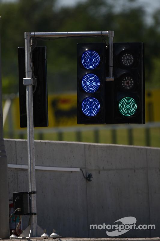pit lane lights