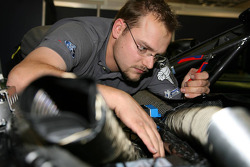 Mechanic repairs the airsystem