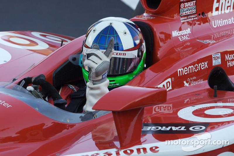 Race winner Dario Franchitti, Target Chip Ganassi Racing enters victory lane