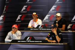 Heikki Kovalainen, McLaren Mercedes, Romain Grosjean, Renault F1 Team, Sebastien Buemi, Scuderia Toro Rosso, Sebastian Vettel, Red Bull Racing