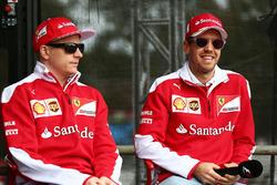 Kimi Räikkönen, Ferrari, und Sebastian Vettel Ferrari