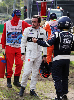 Fernando Alonso, McLaren, dopo l'incidente