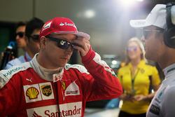 Kimi Raikkonen, Ferrari with Nico Rosberg, Mercedes AMG F1 Team on the drivers parade