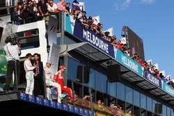 Подиум: победитель - Нико Росберг, Mercedes AMG F1 Team, второе место - Льюис Хэмилтон, Mercedes AMG F1 Team, третье место - Себастьян Феттель, Ferrari и Марк Уэббер, пилот Porsche Team WEC и ведущий Channel 4