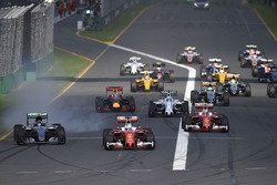 Sebastian Vettel, Ferrari SF16-H leads at the start of the race