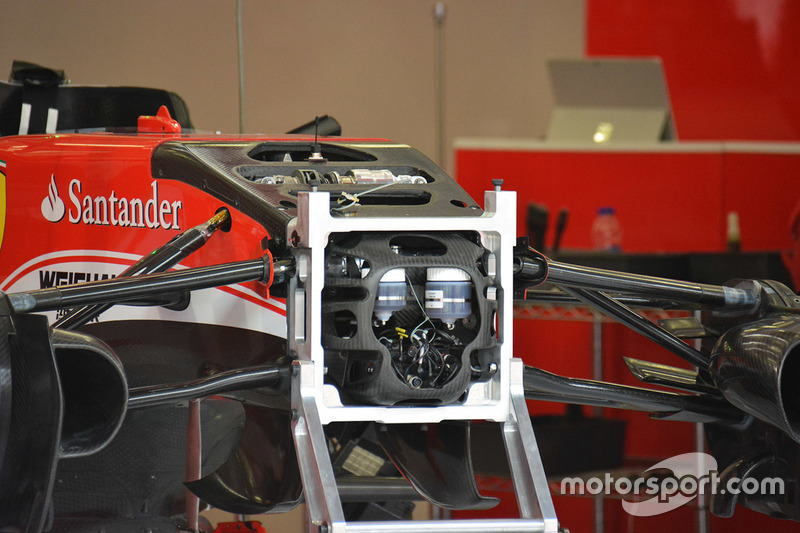 Ferrari SF16-H, la sospensione anteriore