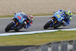 Maverick Viñales, Team Suzuki MotoGP, und Aleix Espargaro, Team Suzuki MotoGP