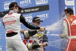 Rookie podium: second place Joel Eriksson, Motopark Dallara F312 – Volkswagen; Winner Ben Barnicoat, HitechGP Dallara F312 – Mercedes-Benz; third place Guanyu Zhou, Motopark Dallara F312 – Volkswagen