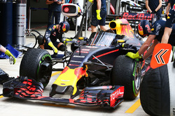 Red Bull Racing RB12 with the Aero Screen