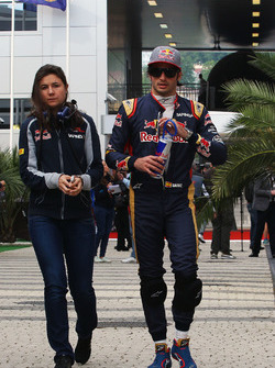 Carlos Sainz Jr., Scuderia Toro Rosso with Tabatha Valles, Scuderia Toro Rosso Press Officer