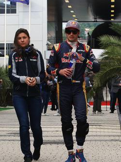 Carlos Sainz Jr., Scuderia Toro Rosso con Tabatha Valles, Scuderia Toro Rosso oficina de prensa