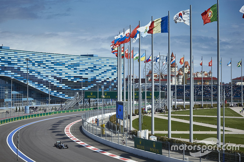 Льюис Хэмилтон, Mercedes AMG F1 Team W07