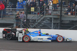 Crash: Sébastien Bourdais, KV Racing Technology Chevrolet, und Tony Kanaan, Chip Ganassi Racing