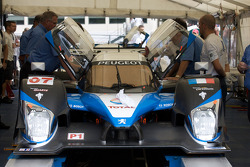 #07 Team Peugeot Total Peugeot 908 HDI FAP at tech inspection