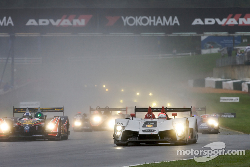 Pace laps: #1 Audi Sport North America Audi R15 TDI: Lucas Luhr, Marco Werner