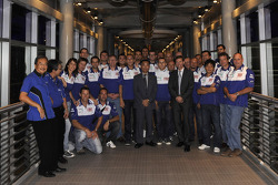 Visit of the Petronas Towers: Valentino Rossi and Jorge Lorenzo with Fiat Yamaha team members