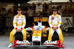 Romain Grosjean, Renault F1 Team, Fernando Alonso, Renault F1 Team