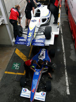 F2 Mechanics load the cars of Alex Brundle and Julien Jousse into the trucks
