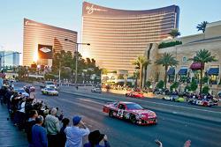 Top 12 victory lap parade: Tony Stewart, Stewart-Haas Racing Chevrolet
